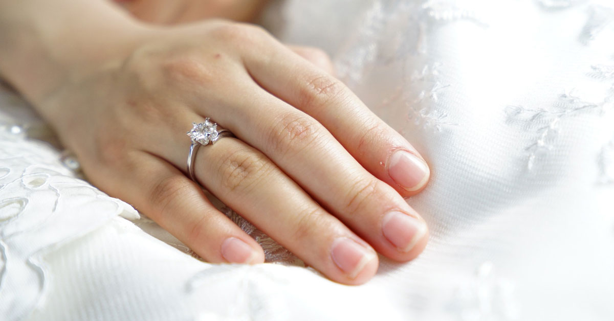 what is an engagement ring - Engagement Ring Vs Wedding Ring
