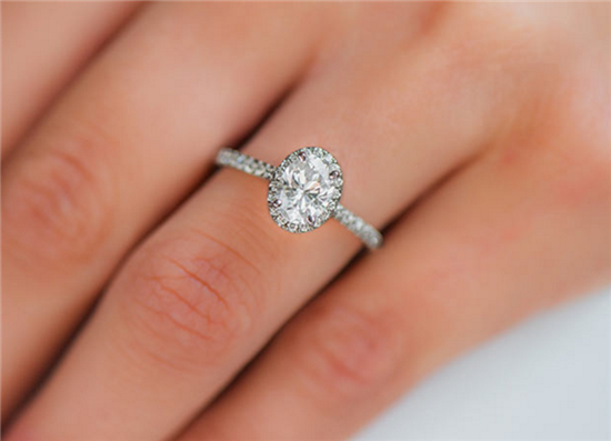OVAL PAVE HALO DIAMOND SETTING