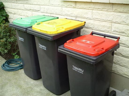 Rubbish and recycling bins (trash cans) in New Zealand