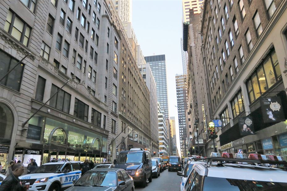 NYC Diamond District: Best Stores and Engagement Ring Secrets