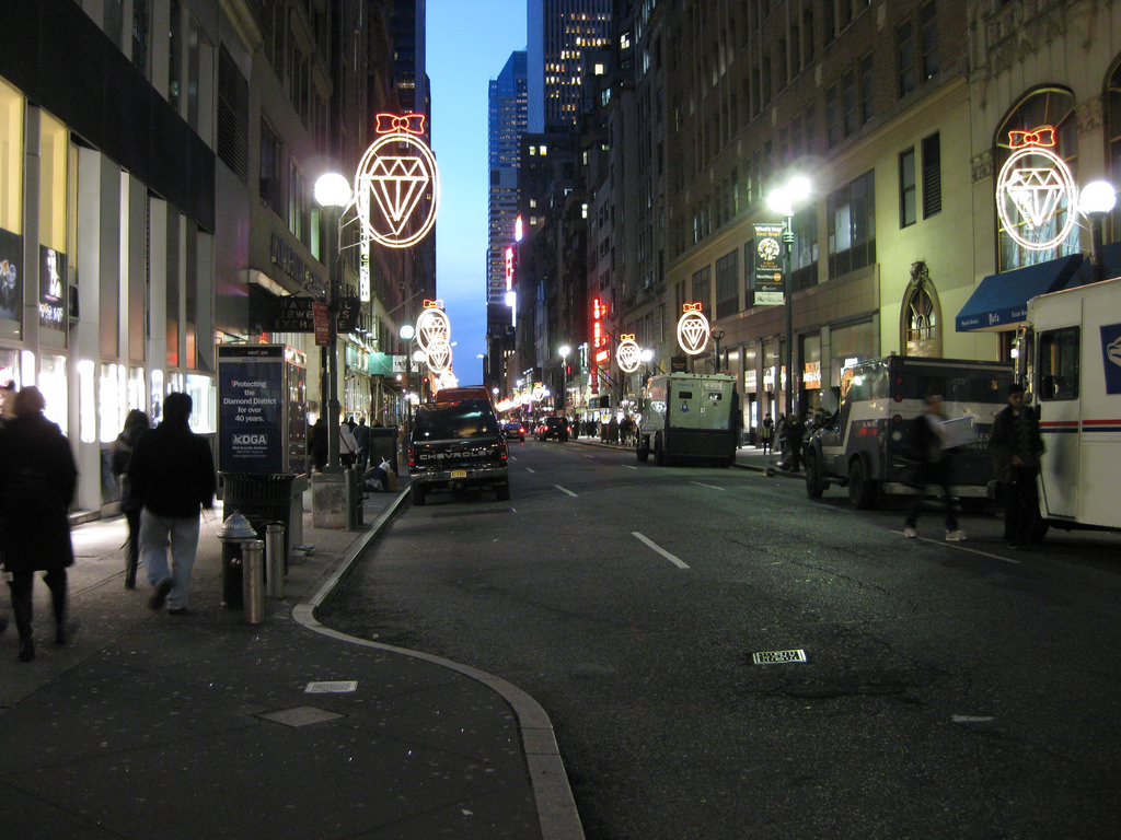 Nyc Diamond District Best Stores And Engagement Ring Secrets