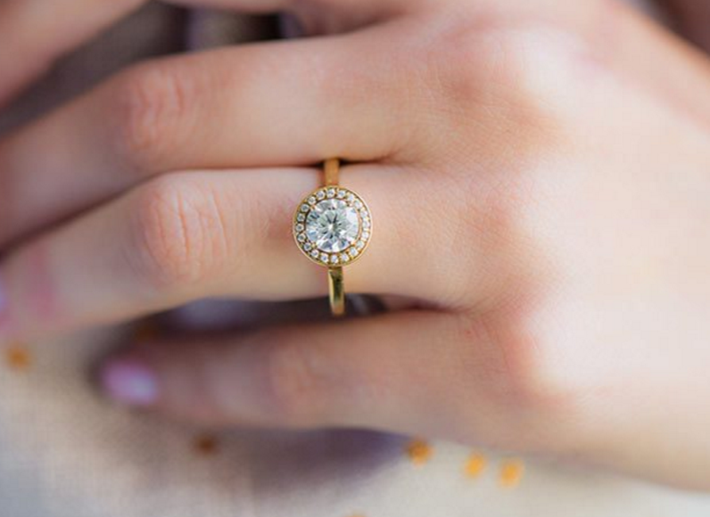 Halo Engagement Rings Cheap And Trendy What S The Catch